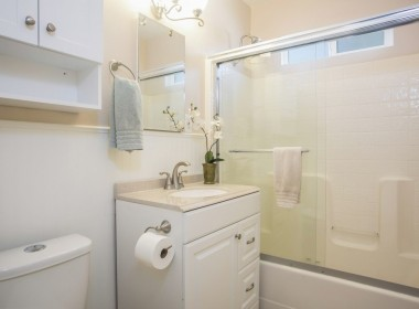 025-Bathroom-5040048-medium1-1024x683